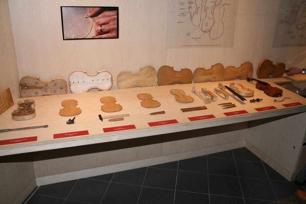 Mirecourt Museum for Violin Making